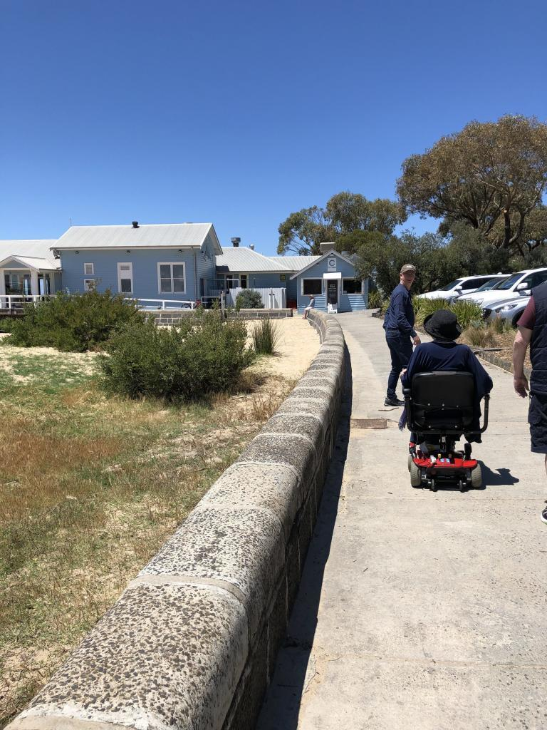 flat paths barwon heads accessible accommodation