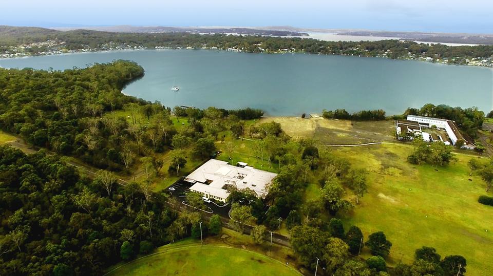 Accessible Accommodation @ Catalina Lakefront Retreat Lake Macquarie